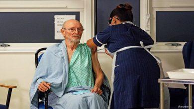Photo of وفاة أول رجل في العالم تلقى لقاح فيروس كورونا